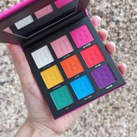 B Bright 9 Colour Palette Matte