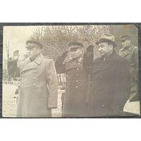 Фото. П.К.Пономаренко и генерал-лейтенант Разуваев В.Н. принимают парад. 1945-46 г. 16х24 см.
