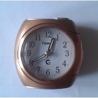 Часы-будильник Гранат