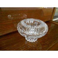 Конфетница или вазочка хрустальная h 9 см, d 13 см