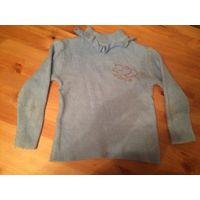 Теплый гольфик голубого цвета на девочку 3-5 лет, 85% хлопка, есть катышки, необходимо почистить. Длина 37 см, ПОгруди 30 см, длина рукава 31 см.