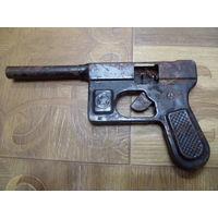 Пистолет (пистоны).