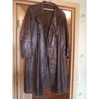 Старый кожаный крепкий коричневый плащ для НКВД, размер 52/3.