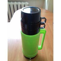 Термос 1 литр (зеленый) +2 кружки