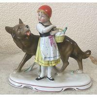 Статуэтка фарфоровая Красная Шапочка и серый Волк, Германия
