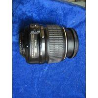 Объектив Nikon AF-S DX Nikkor 18-55 mm.