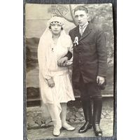 Фото новобрачных Петра и Эльжбеты. Польша. Западная Беларусь. 1930-е. 8х12,5 см.