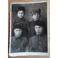 Фото послевоенных подростков. Конец 1940-х. 8.5х11 см