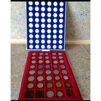 Монеты Италии, сборный лот 94 монет в боксах, разных годов и номиналов.