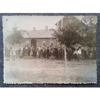 Масюковщина в 1950-е. 3 фото. 8х11 см. Цена за все.