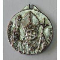 """Медаль """"Иоанн Павел-2"""". Диаметр 3.5 см."""