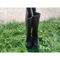 Резиновые сапоги чёрного цвета, практически не использовались. 41 размер.