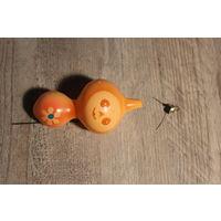 """Стеклянная ёлочная игрушка """"Чебурашка"""", времён СССР, длина 13 см."""