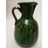 Кувшин антикварный зеленая глазурь. Подпись мастера