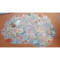 Более 300 марок разных стран.