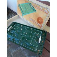 Игра настольная ФУТБОЛ из СССР 1960 г.в.В родной коробке,в идеальной СОХР.