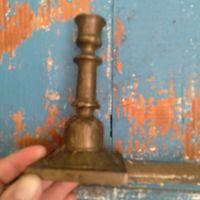 Подсвечник. Латунь или бронза. Есть клеймо.высота 14см. Вес 220гр.почищу при передаче лота.