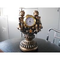 """Часы подарочные, каминные для интерьера. """"Ангелочки"""" кварц . распродажа"""