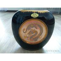 Фарфоровая ваза из Японии