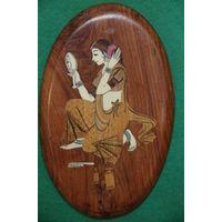 Панно из сандалового дерево ,  инкрустирован слоновой костью и другими породами деревьев   14 х 22,5