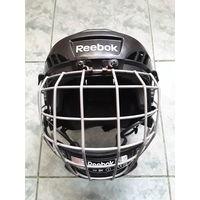 Шлем  хоккеиста Reebok