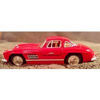 Модель - MERCEDES-BENZ 300SL - 1954 (Kinsmart) 1:36.