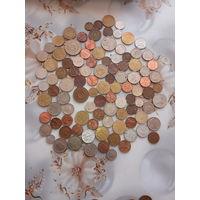 100 монет всего мира . 1