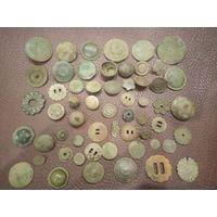 Коллекция больших средневековых пуговиц
