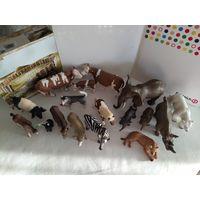 Фигурки  животных Schleich(Шляйх,Германия)одним лотом(лот из 18 фигурок)