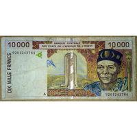 Берег Слоновой Кости 10.000 франков 1992г.