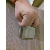 Напальчник для нарезки овощей, новый в упаковке, размер пальца регулируется, размер металлической пластины 6,5 на 5 см.