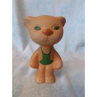Кот, котенок в комбинезоне - резиновая игрушка СССР, пищалка
