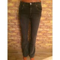 Красивые джинсы фирмы Mados на 40-42 размер. Серый цвет. Длина 104 см, ПОталии34-36см(хорошо тянется), бедра42-46см.