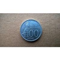 Индонезия 100 рупий, 1999г.  (Б-3)