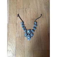 Крупное фирменное ожерелье нежных оттенков Zara, бу 1 раз