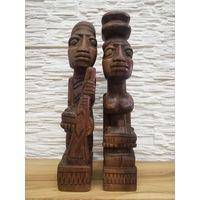 Африканские статуэтки.