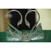 Статуэтка  Лебеди   стекло  ( Неман )  ( высота 11 , ширина 11 см )   целая