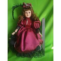 Фарфоровая кукла (40 см,)