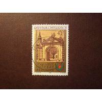 Австрия 1985 г.Ворота епископальной резиденции и герб.