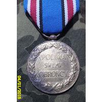 """Медаль """"Польша своему защитнику 1918-1921г"""". Начало прошлого века. Бронза. С  лентой."""