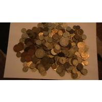 Более 550 монет из СССР от 1 копейки до 1 рубля.