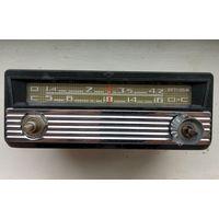 Радиоприёмник автомобильный ''АТ-64'' (СССР, 1967)