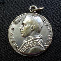 Медальон католический. Папа Пий XII. 1950 год. Рим.