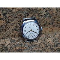 Часы Уран ЧЧЗ,выпуск 1-50год,редчайшие в таком состоянии.Старт с рубля.