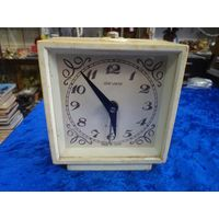 Часы-будильник Sevani.