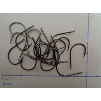 Крючки (в лоте 20 штук), б