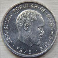 35. Мозамбик 1 сентимо 1975 год.*