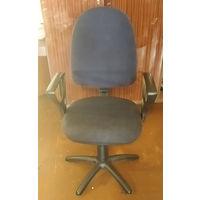 Кресло (стул офисный)