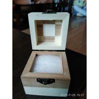 Красивая коробочка для украшения из разных пород дерева