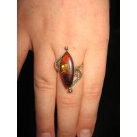 Кольцо советское с янтарем размер примерно 16,5-17